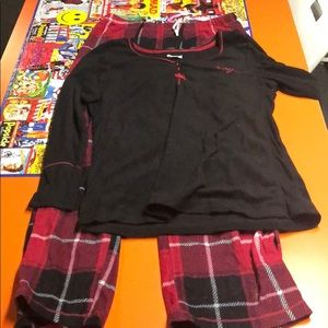Dkny flannel long sleeve pajama set